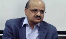 CS visits various departments in civil secretariat, listens to employees grievances, extends new year greetings