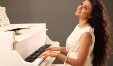 Bharat Ratna Lata Mangeshkar endorses singer-composer Reewa Rathod