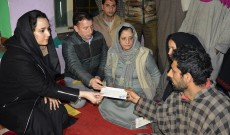 DC Budgam handover cheques worth Rs. 4 lakh as relief to Budgam helicopter crash victim family