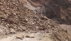 Landslides, shooting stones triggered by rain force closure of Sgr-Jmu NH