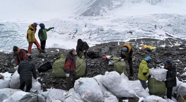 3,000 kg garbage collected from Mount Everest region