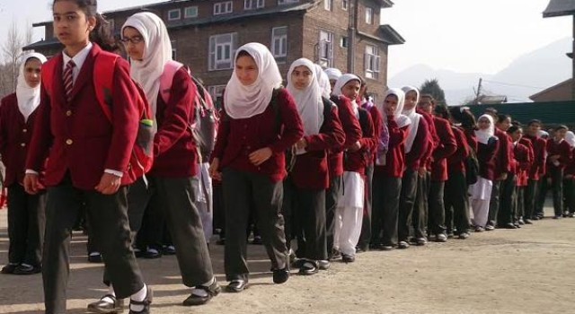 PSAJK strongly protests against change of school timing