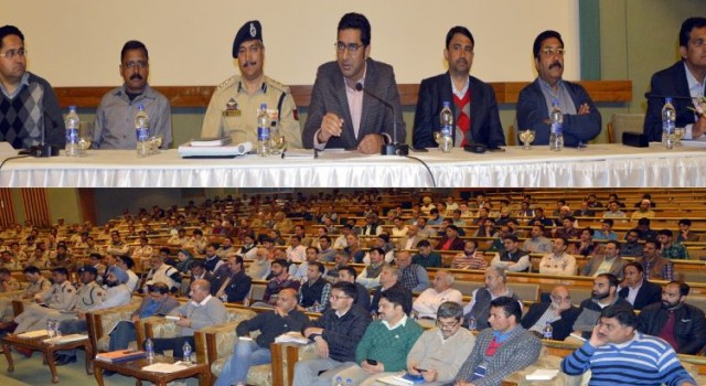 General Elections-2019-RO Srinagar PC Gives Final Briefing To Officers