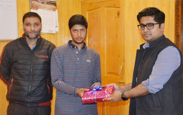 District Administration Shopian felicitated NEET Qualifier Student.