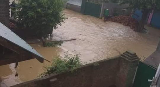 Flash floods inundate several villages in north Kashmir's Pattan