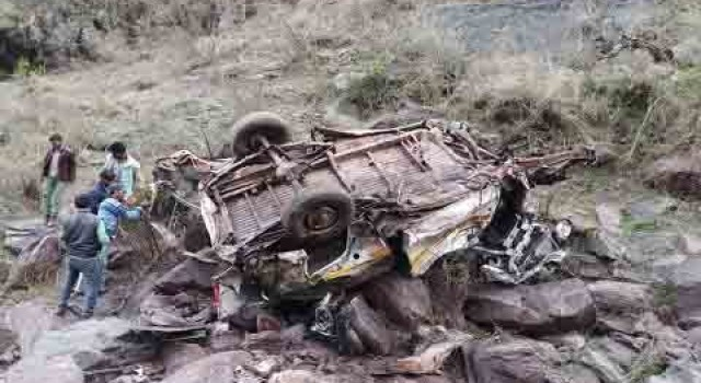 25 killed, 35 others injured as bus falls into a deep drain in Kullu