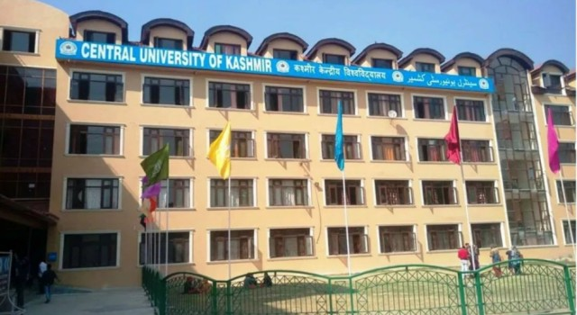 Central University asks students to vacate hostels, postpones exams