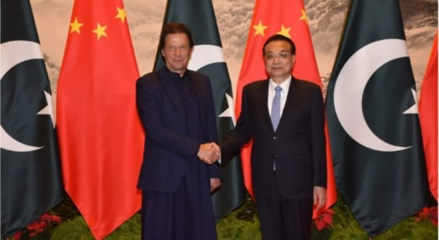 China Now Says Kashmir Bilateral, Imran Khan Reaches Beijing
