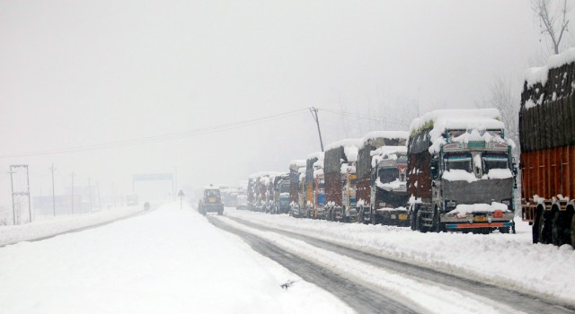 Day 5: Air Traffic Resumes, Jammu-Srinagar Highway Remains Closed