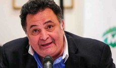 Actor Rishi Kapoor dies in Mumbai at 67
