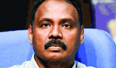LG Murmu visits Anantnag, reviews development, security arrangements
