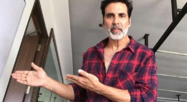 Akshay Kumar rubbishes reports of booking charter flight for sister, tweets news 'FAKE from start to end'