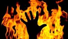 Lady set self on fire in Srinagar outskirts