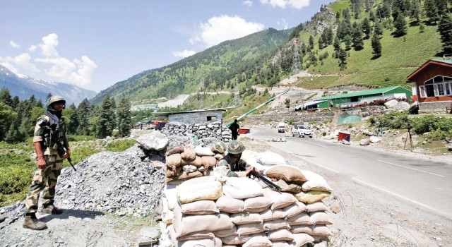 India-China stand-off: Sgr-Leh highway closed for civilian traffic, restored after few hours