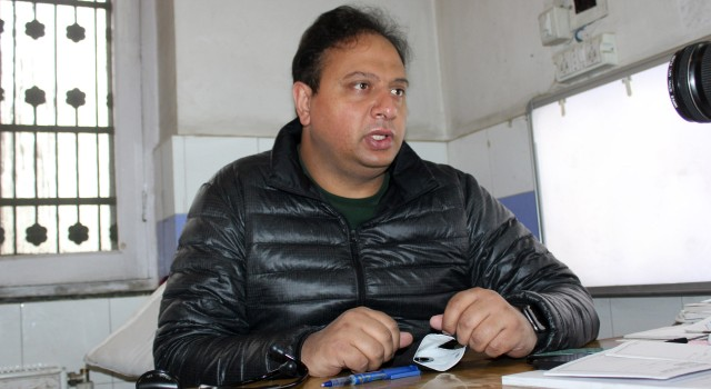 Dr Naveed Nazir Shah resumes office after turning negative for COVID-19