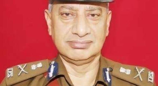 Arms training should be given to Kashmiri Pandits: Former DGP