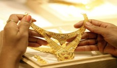Gold hits record high, crosses Rs 50,000 mark