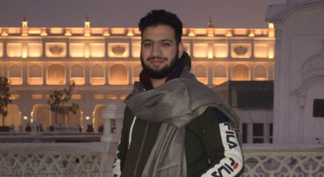 Meet Peer Tehleel Manzoor From kashmir: emerging as a Youth Icon in Punjab