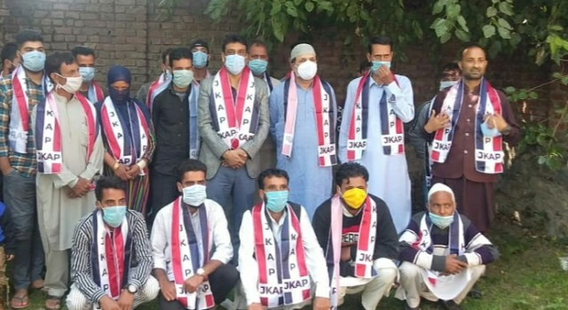 Prominent political activists from Baramulla district join Apni Party