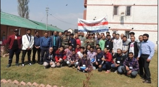 Kashmir Super 30 (II) Empowers Engineering Aspirants From The Valley