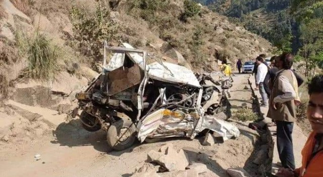 3 person killed, 8 others injured as vehicle fall in gorge in Doda