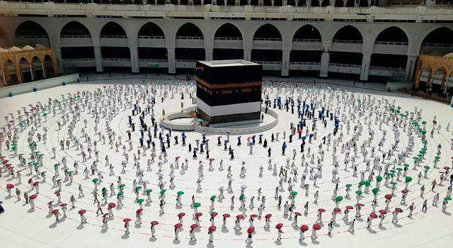 Saudi Government To Re-Open Holy Sites For Umrah After 7 Months