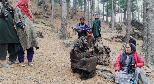 DDC Elections:BJP Candidate visits Bandipora's Remote villages,interacts with people