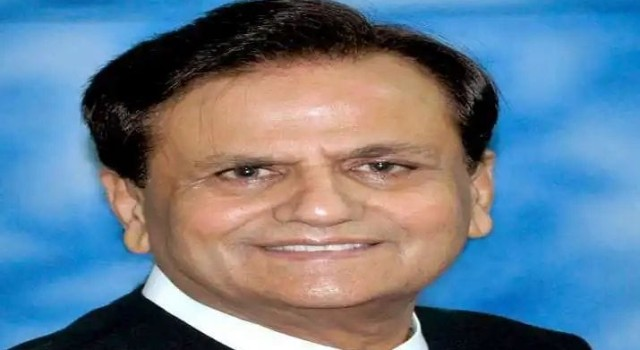 Senior Congress leader Ahmed Patel's demise: PM Modi, Sonia Gandhi, Rahul offer condolences