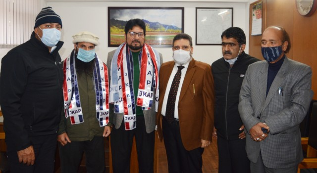 NC District Vice President Ganderbal joins Apni Party
