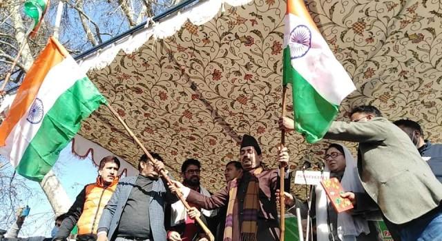 In Mehbooba's Anantnag Hometown, Shahnawaz Hussain Raises Tricolour