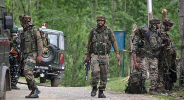 Encounter starts in Mandoora Tral