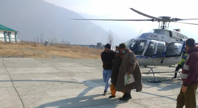 Pregnant woman develops serious complications, airlifted from snow bound Gurez