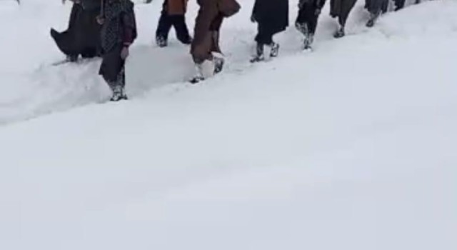 Snowfall: On way to hospital, woman delivers baby on make-shift stretcher in Keller Shopian