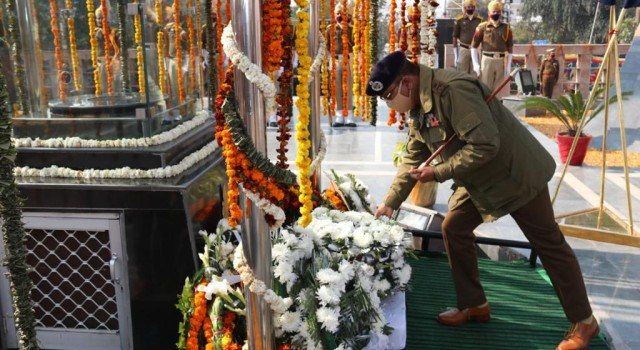 Rotary Club Jammu, Prominent Citizens and PWWA felicitate families of JKP Martyrs