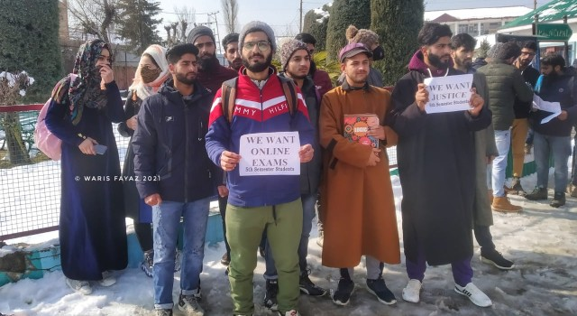 Demanding Online Exams, 5th Sem Students Staged Protest In Sopore Town