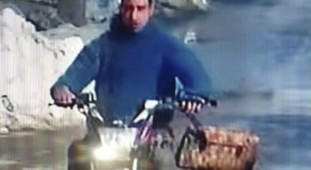 Srinagar Police seeks help of general public in identifying the suspected thief