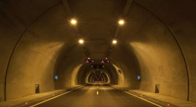 Work on Banihal-Qazigund tunnel about to complete: Union Minister