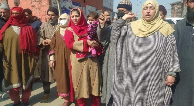Anantnag Family Protests, Claim Their Kin Innocent, Not TRF Militant