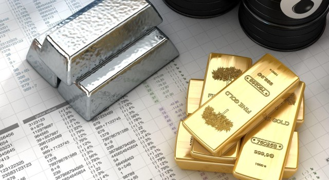 Gold plunges Rs 717; silver declines Rs 1,274