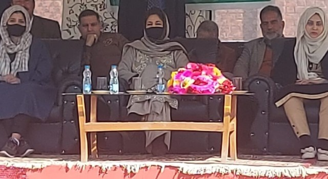 If centre won't give back statehood to J&K, we will not 'beg' before them: Mehbooba Mufti in Baramulla